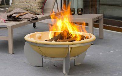Vatra de foc (fire pit) – cum să te bucuri de grădină în orice anotimp